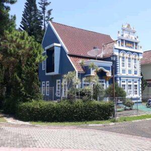 Villa Belanda 3 Kamar Dekat Taman Bunga Puncak