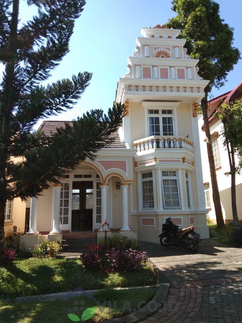 villa arsenal puncak 2 kamar