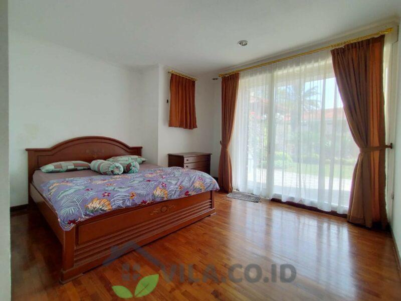 Villa Tiga Belas, 5 Kamar Bukit Danau Puncak