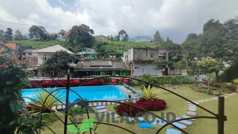 Villa BW Cisarua Puncak 4 Kamar Kolam Renang Pribadi Dekat Kebun Teh